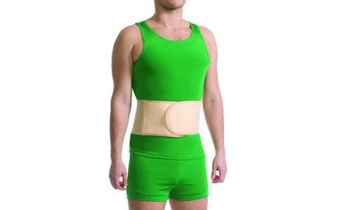 Чтобы процесс восстановления проходил правильно, нужно соблюдать рекомендации врача, одна из них ношение послеоперационного бандажа