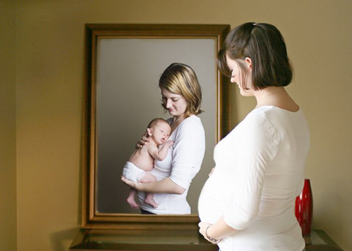 мама в зеркале