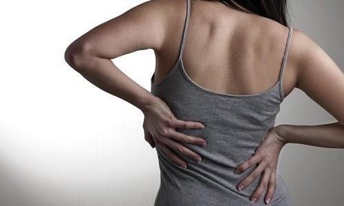 Часто основной причиной возникновения боли в спине оказывается межпозвоночная грыжа, которую можно вылечить без операции
