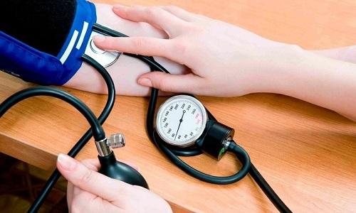 Базовые упражнения на доске Евминова направлены на нормализацию давления