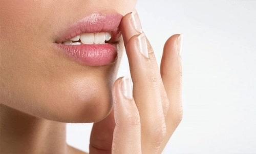Причиной возникновения высыпаний на губе является вирусная герпетическая инфекция