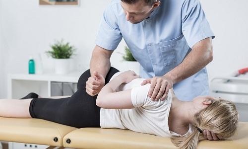 Мануальная терапия при грыже Шморля обеспечивает временный эффект