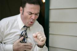Сильный кашель - первый симптом бронхиальной астмы