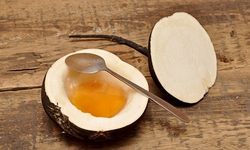 Положительные отзывы при лечении невралгии имеют компрессы на основе сока черной редьки и меда