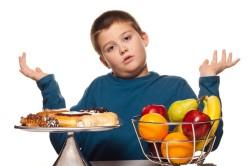 Нарушение питания - причина пониженного уровня сахара в крови у ребенка