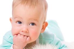 Прорезывание зубов - причина белого поноса