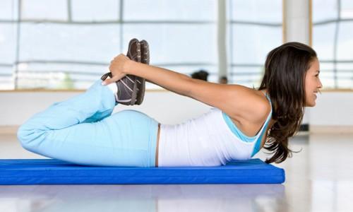 Перед началом тренировки нужно обязательно разогреть и размять мышцы спины