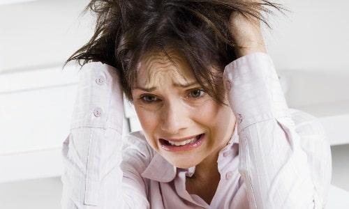 В стрессовых ситуациях мышцы находятся в напряжении, а это способствует образованию остеохондроза