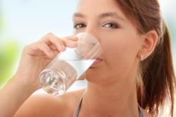 Обильное питье перед мазком