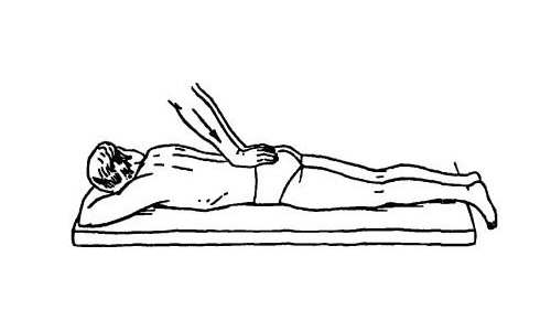Основным приемом остеопатии при терапии позвоночной грыжи являются ритмические тракции