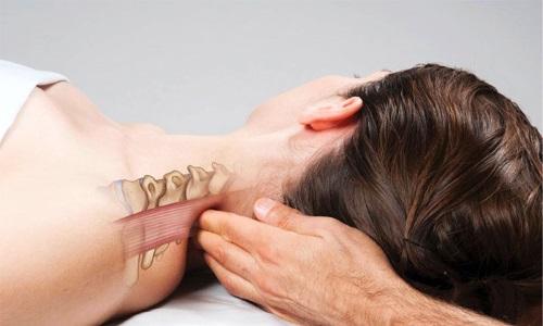 Массаж при грыже шейного отдела позвоночника относят к методам консервативного лечения