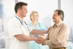 Регулярное посещение врача для профилактики легочного кровотечения