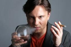 Вредные привычки - причина возникновения язвенного колита