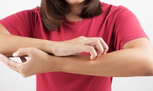 В месте укола может развиваться аллергия организма в виде зуда